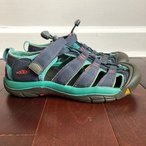KEEN Women's Waterproof Sandal Size 5